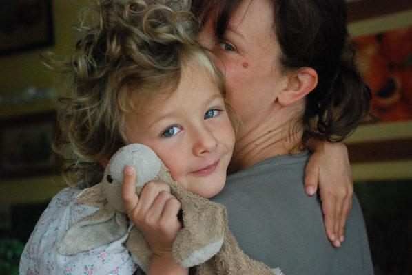 mère et fille tendrement