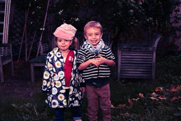 Photographie couleur au flash : es deux cousins