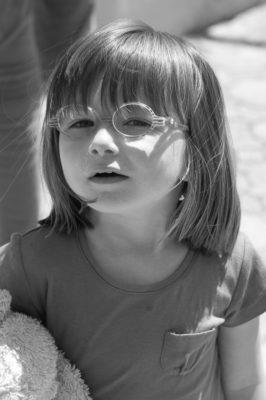 portrait fillette aux lunettes