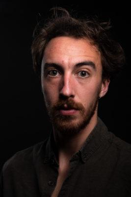portrait gros plan Lucas Bouissou acteur